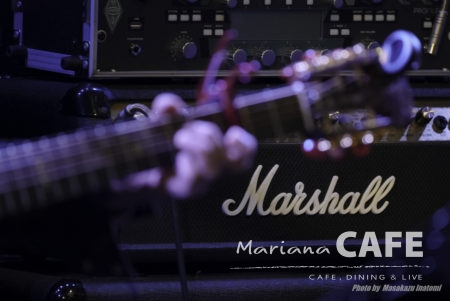 写真:Mariana CAFE  Acoustic Live